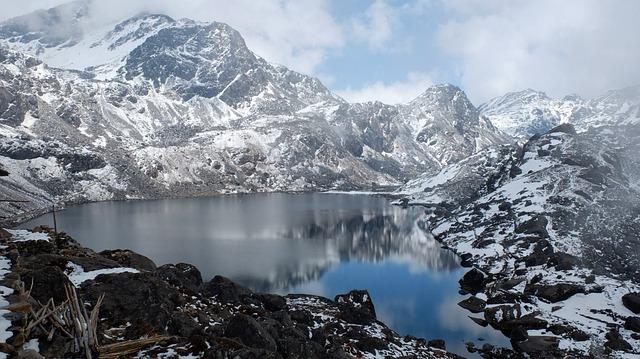 nepal-1208045_640